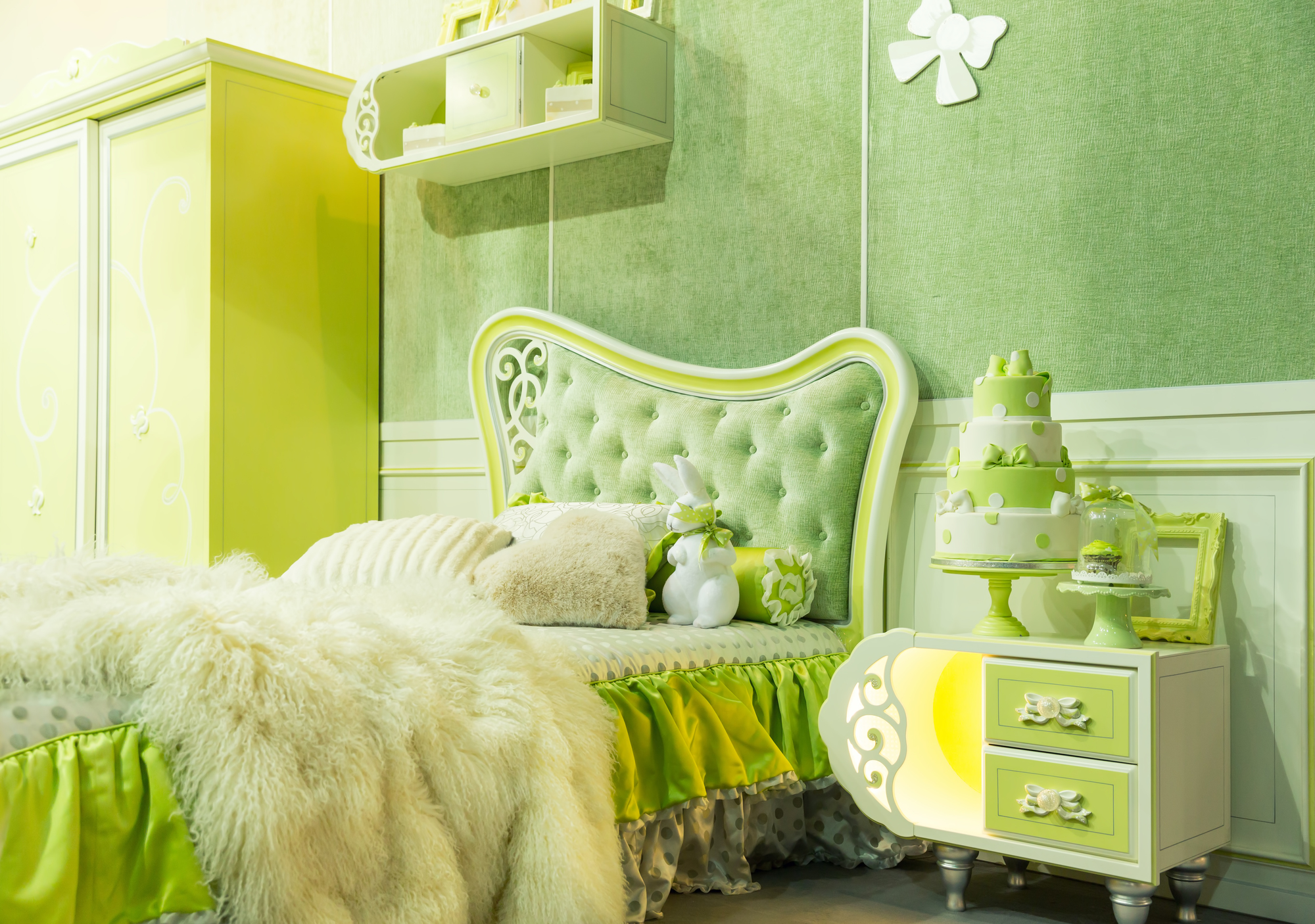 Nice luxury light bedroom in green tone
